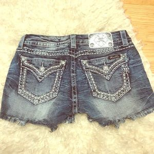 Miss Me Signature Shorts Size 28